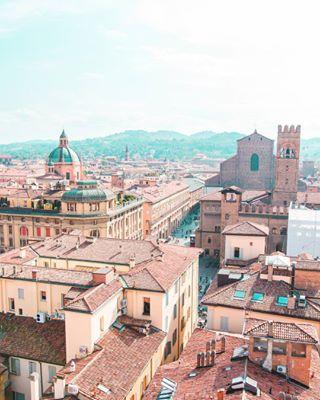 litaly wanderlust doyoutravel bologna crocsarecool adventure italy blueandorange landscapes travel travelfeels