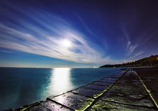 photography ocean beaches moon beach stars night canon_photos nightscape igerskent clouds nightsky astro igersuk landscape_lover canonphoto cloud moonrise landscapephotography blue sea canon70d colourful sky landscape igers canon