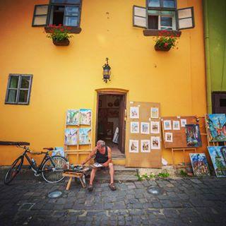 workinprocess streetstyle streetphotography streetpainting streetart painting oldtown oldman oldbutgold nikonphotography nikond750 nikon📷 nikon localbusiness localartist door colourful amazing