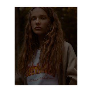 pixel_ig darkmood modelofthemonth whyconcept fashioneditorial fashionportrait perfecthair daylight backinthesummer