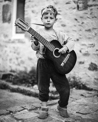 bnw_magazine blackandwithephoto bnw_portrait bnw_society bnw_captures bnw_france themonochromaticlens boyhood portrait bnw_rose blackandwhitephotography child severinegalus igersbnw childhood monochrome bnw_demand friendsinbnw cpcfeature bnw_mood womenphotographer frenchphotographer musician friendsinperson candidchildhood kids bnw_globe guitar
