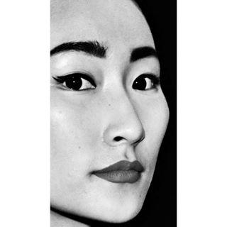 asiangirl fashionweeks portraitphotography style modelsdivision backstage amsterdanfashionscene makeup fashionphotography asianmodel backstagephotography portrait amsterdamfashionsweek catwalkmodels asian yoyo_xin_you blackandwhite beauty humanmodels catwalkmakeup