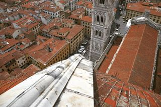 campaniledigiotto ig_italia nikon giotto redroof firenze❤️ tuscanystyle brunelleschi lovingcity history 400 ig_florence firenze cupola serfonroof photography travelitaly neogothic santamariadelfiore italy travel florence roof rooftop architecture florenceroof surfing
