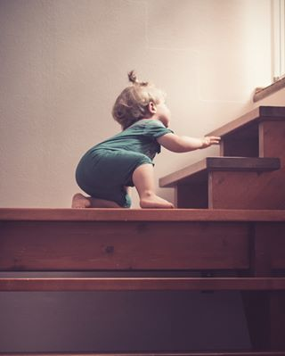 baby babyboy climbing indoor lightmob photography steps triinkaskphotography