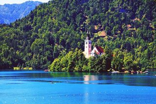 travelphotography photoshop sigma traveler travelblogger naturelovers nature lake afterlight europe travel mountains canonphotography bled summer photography canon1100d naturephotography forest slovenia