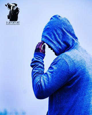 traveller nikonlover nikon mood hoodie d_aperture d candidpic candidlover candidholic candid at_the_heart_of_image