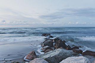 summer nature balticsea hohwacht waves water late longtimeexposure evening landscape sea schellewaldphotography stones baltic