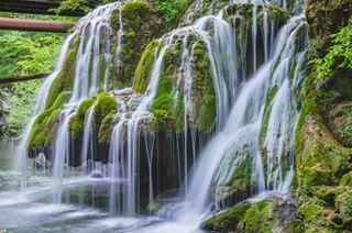 waterfall romaniapitoreasca instacool green discover romania_online travell calatorinromania journeytravel photography cascadabigar lovenature instaphotography nikond7000 bigarwaterfall