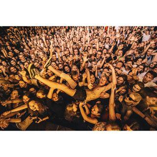 bapizda poeple photo crowd vilnius vasarosterasa fans lights music concert hands photography ba musicphotography emotions