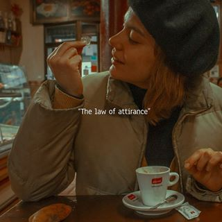 photographie snow odd prague canon banana spoon french light poor gloves day photography lawofattirance attraction lover surfer lawofattraction instastory girl amelie story food coin winter lu barcelona coffee love