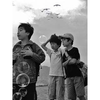 blackandwhitephoto blackandwhitephotography blacknwhite bnw bnwlife bnw_life bnw_people bnw_photo bnw_planet bnw_streetphotography bnw_zone bw fotograf fotografie igersbnw japan japanese kamakura monochrome people photojournalism schwarzweissfotografie streetphotographer streetphotography streetphotographyinternational suw sw tokio tokyo