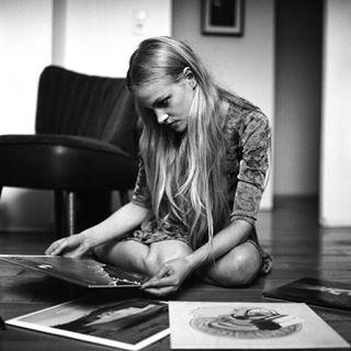 portrait analoglove mediumformat mood portrait_shots female svenwagenfeld analog vinyl love rolleiflex blonde feature beauty
