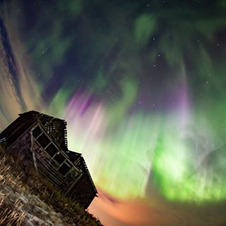 auroranotification photophile northernlight nightphotography igbestshots nightscaper discoverearth tourcanada thankyoucanada weownthenight_ab unlimitedcanada ig_great_shots_canada weathernetwork astrophotography huffpostgram bns_vision wow_destination aurora natgeotravel wonderful_places
