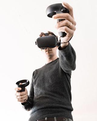 virtualworld virtualgames vr eosr cyber virtual future reality canon futer oculusquest canoneosr gaming game