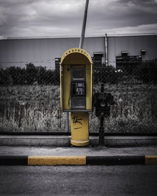 urbanscenery thelastcall standaad spontainious phonecase phonebooth greece city blackandyellow