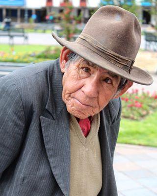 natgeoyourshot locals photography natgeo peru streetphotography peopleofperu contrast photooftheday culture picoftheday meettheperuvians peruvian oldman natgeoperu cuscoperu