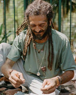 portraits belohorizonte 35mm feirahippiebh travel brazil portra film filmphotography hippie minasgerais kodakfilm
