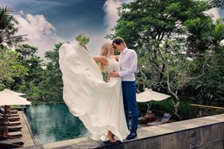 weddingdress estravel travelphotography destinationwedding baliphotographer honeymoon destinationweddingphotographer