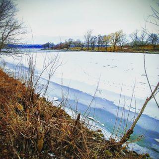 winterscape winterbay icyshore hamont bayfronttrail hamontbayfront icyshoreline wintershoreline winterlude