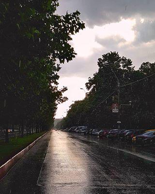 almostsummer bucharest clouds discoverbucharest emptystreet galaxyphotography green igbucharest leafs light mirror mobileshot rain raremoment samsung sector3 street sun sunset trees withgalaxy