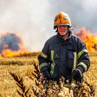 photojournalism lithuania fire disaster gaisras gaisrininkas fireman ugnis kaunas