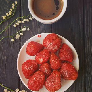 morning flowers coffetime strawberry coffee