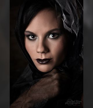 flawless beauty makeup face eyes photography gothic portrait headshot picoftheday veil