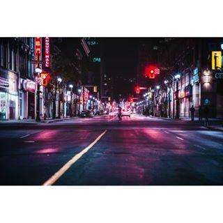2018 downtown streetart style gritty may spring vsco red photoofday ontario lights hamont urbanbackdrop landscape urban longexposure photographie streetphotographer hamilton 905 photo