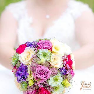 green wedding gruen bride purple rosa white lila weiß hochzeit weddingbouquet grün weiss pink braut brautstrauss