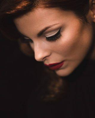 glamour retrolook salon vintage portrait makeup style beauty dcataniaphotography girlfriend photo colours light photoshoot model