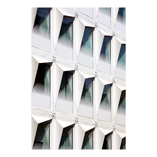 hoteldesign shippingcontainerhotel doonesilverkerr designhotels shippingcontainerhome architecturephotography london edmundsumner waterloo architecture
