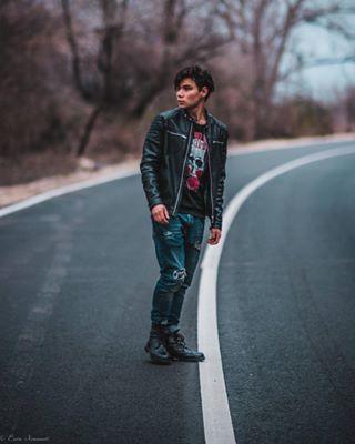 leatherjacket model thepipas2018 streetfashion fashion nikon bokeh lightroom photoshoot 85mmlens bravogreatphoto portrait afs f14 newphoto road streetstyle rebel bokehlicious