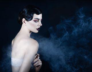 smoke portrait beautyproducts advertisingphotography blue dashskala model vape chinesebeauty
