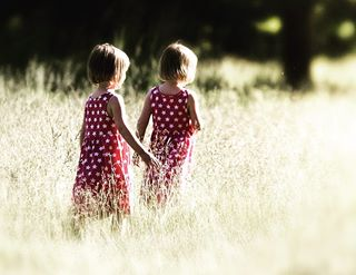 lomdonparks twins👭 twins twinsisters