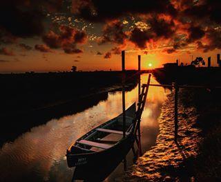 aveiroénosso sunset boatatsunset boatssunset aveirolovers aveiroportugal sunset_lovers aveiro