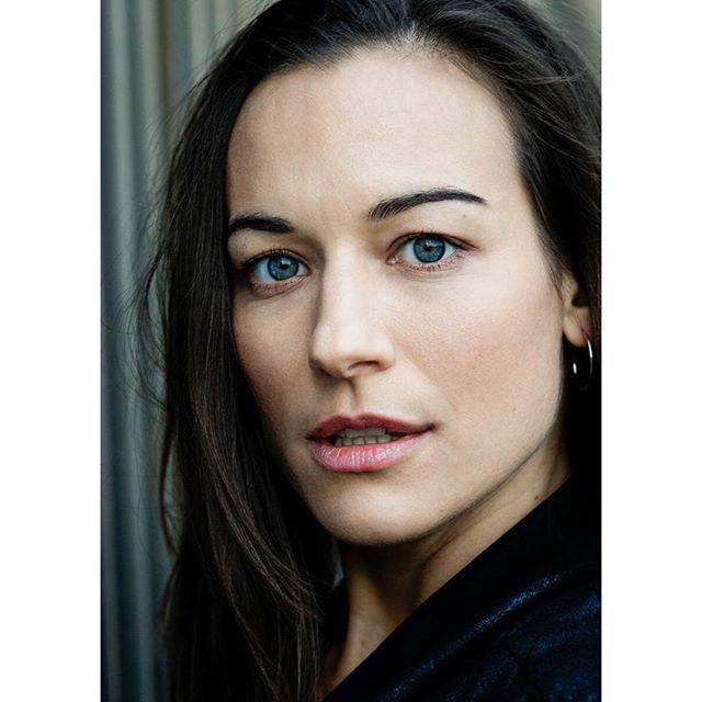 photographer uk headshotsphotographer acting london actress headshots