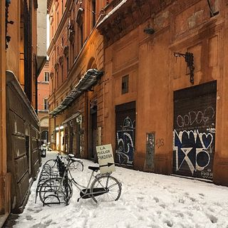 bike architecture nothingisordinary ampt_community igers_italia jj viverebologna picoftheday ig_bologna