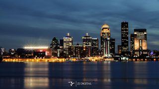 louisvilleskyline horizon nightphotography theville louisville louisvillephotography skyline 502 cities city mycity