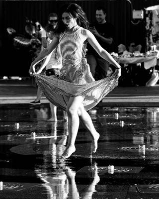 wardrobe summer kiev flying girl water kievgirls legs barefoot blackandwhite podil fountain street daylight reflection run contrast monochrome funny