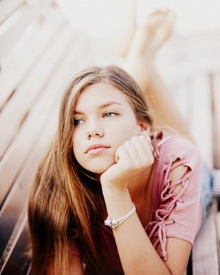 young teen sunnyday summer longhair kievgirls girl bokeh bench barefoot