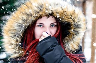 girly winter redhead photographers portraits beauty snowflakes bulgarian hot cold photographyy snow photooftheday chic photoshot beautifull girl