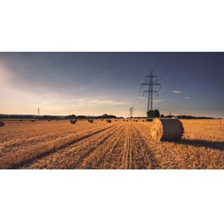 17 6d canon gold hayroll inthemiddleofnowhere landscape sunset