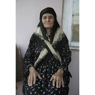 portrait grandmother azerbaijan sbf_member onefromtheroad photographer portraiture igersswitzerland fromthearchives portrait_ig lerik photography