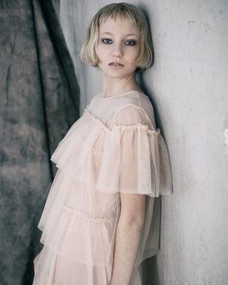 hair hova editorial skaraborg fashion stylist fotograf magazine sombrebeings styling nikond850 modefotograf fashionphotographer photographer