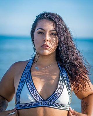 damn sexy girl so bikini arabian face beutiful blue nice water prettylittlething beach