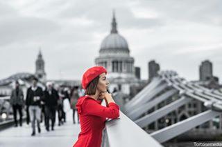 tortoisemedia sigma85mmart red posing photoshoot nikond850 nice london lithuaniangirl girl dressed centrallondon cap bridge