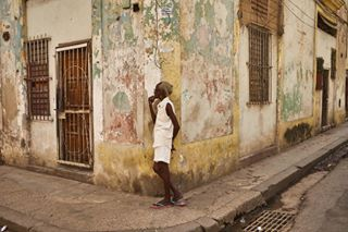 cuba cuba2day habana havana havanna havannaimwandel igcuba igerscuba igworld journalist kuba maestro_i photographer photojournalism picture street streetphoto streetphotographer travel vinales_gallery woman
