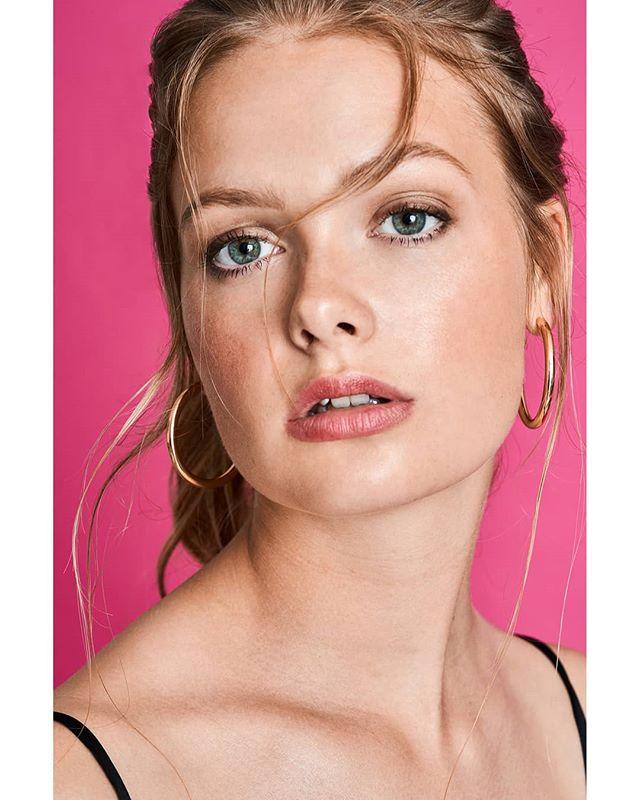 earrings prettygirls hair littleblackdress jewellery makeup eyes beauty model pretty pink lips makeuptutorial prettyinpink