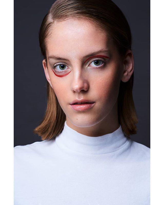 beauty imgmodels beautyphotographer wlyg danmark whiteshirt makeupartist beautiful dansk model makeup