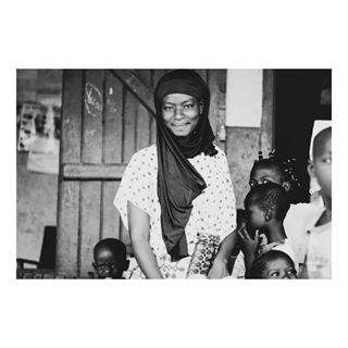 africandresses africanwomen blackandwhite blackandwhiteafrica blackandwhitephotography blackandwhiteportraits blackandwhiteportraitshot blackbeautyworld blackskinwomen febviz photovoyage streetphotography